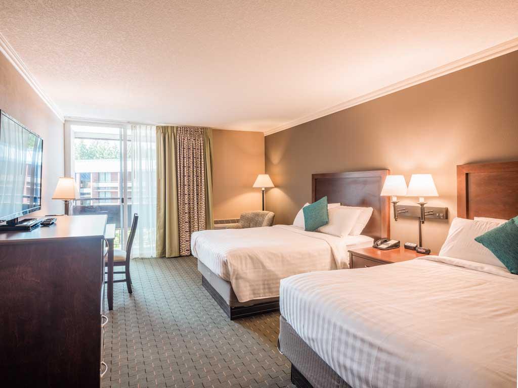 Comfort Room University Place Hotel