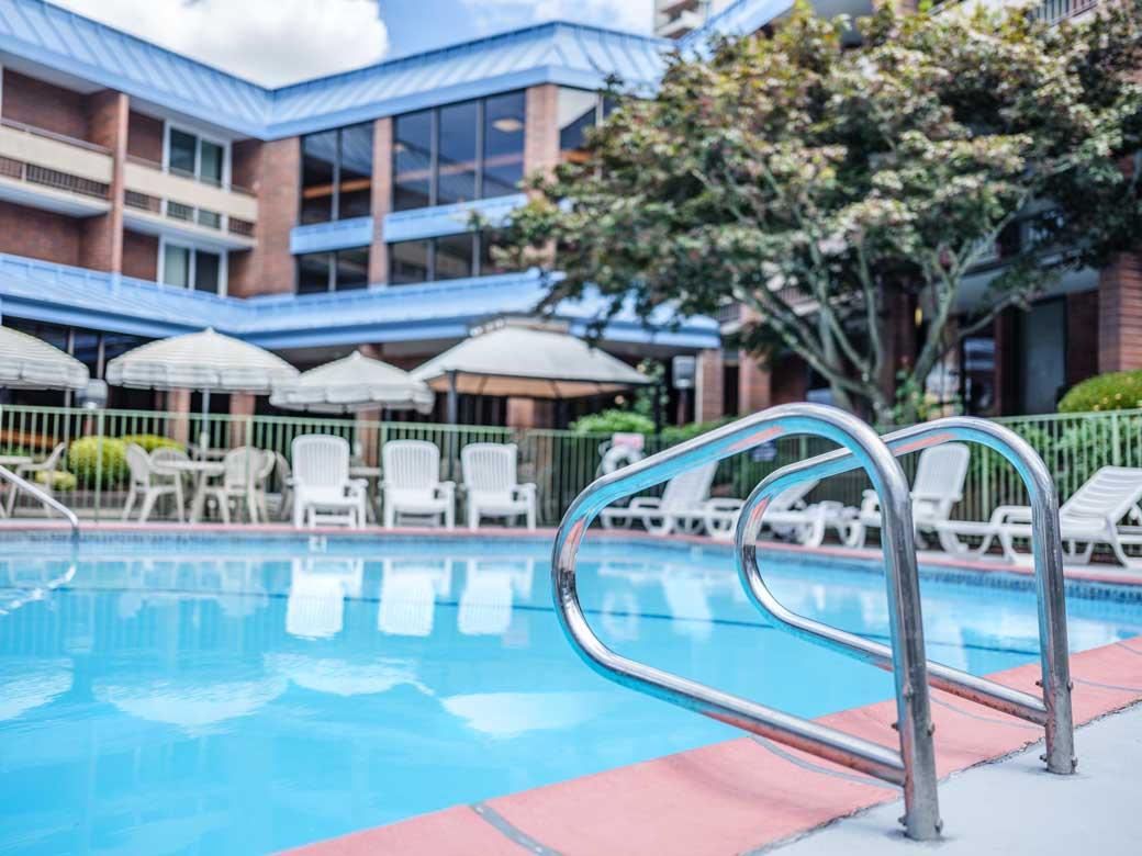 Pool Portland University Place Hotel